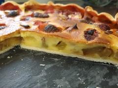 Découpe de la tarte à la rhubarbe - Blog de pâtisserie