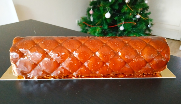 Bûche de Noël avec glaçage miroir chocolat maison - Blog de pâtisserie