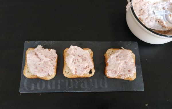 Crème de jambon blanc pour l'apéritif sur des petits toast - Blog culinaire