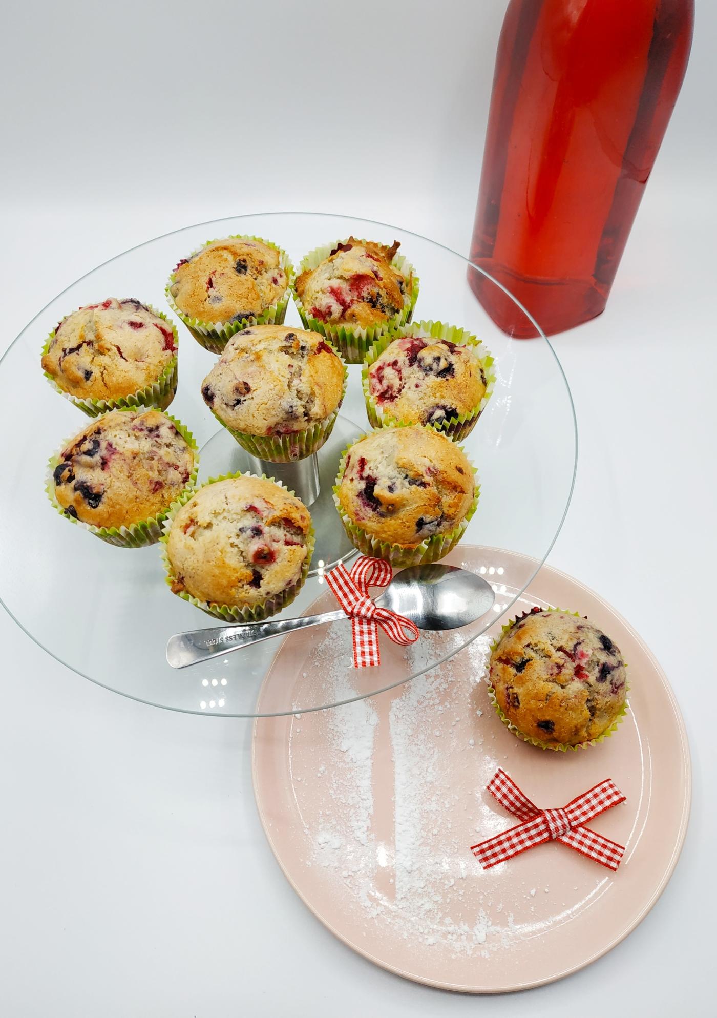 Muffins faits maison aux fruits rouges réalisés par Manon du blog de pâtisserie lesjoliesframboises.com